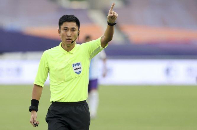 合乐运营团队:马宁等5名中国裁判与国足同日出征,参与12强赛执法